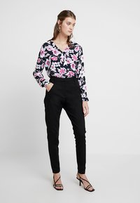 Fiveunits - ANGELIE - Trousers - black - 1