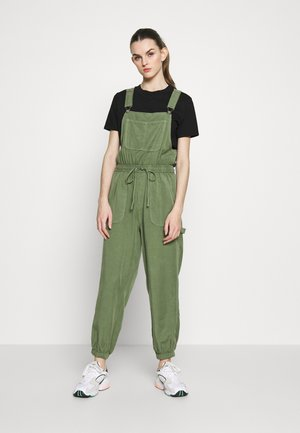 WORKWEAR OVERALL - Dungarees - olive fun