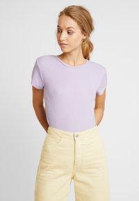 Weekday - FRANCES  - Basic T-shirt - purple - 0