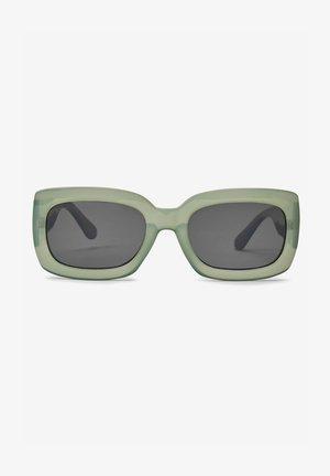 CHUNKY  - Sunglasses - green