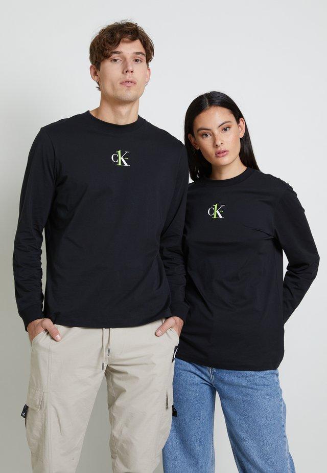 BACK GRAPHIC UNISEX - Maglietta a manica lunga - black