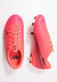 Nike Performance - MERCURIAL JR VAPOR 13 ACADEMY FG/MG UNISEX - Moulded stud football boots - laser crimson/black - 0