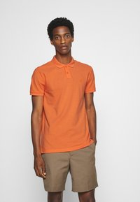 TOM TAILOR DENIM - WITH SMALL EMBROIDERY - Polo shirt - orange neon - 0