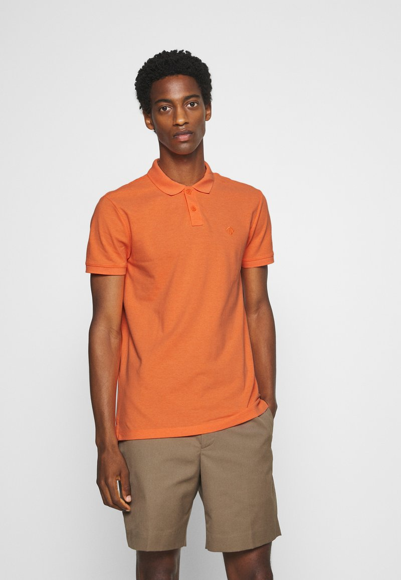 TOM TAILOR DENIM - WITH SMALL EMBROIDERY - Polo shirt - orange neon