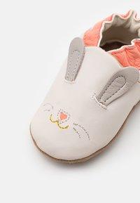 Robeez - MINI RABBIT - First shoes - beige clair - 5