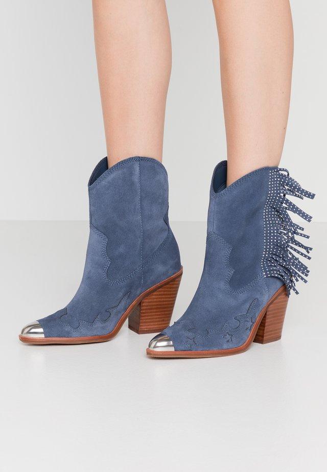 ALDO X TEZZA - High Heel Stiefelette - blue