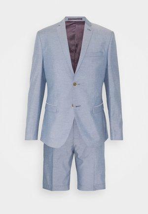 Garnitur - light blue