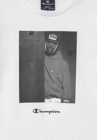 Champion - CHAMPION X ZALANDO GRAPHIC - Camiseta estampada - white - 3