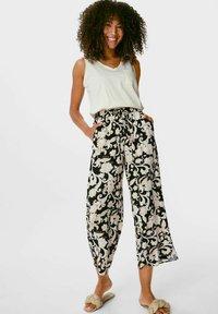 C&A - Trousers - black / beige - 1