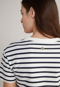 JOOP! - TRINA - Jersey dress - navy/weiß - 2