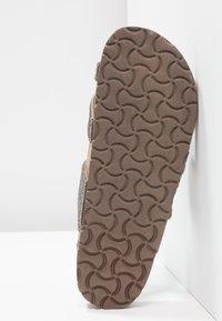Madden Girl - BRYCEE - Sandály s odděleným palcem - pewter multicolor - 6