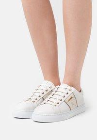 JOOP! - CORTINA LISTA CORALIE - Sneaker low - offwhite - 0
