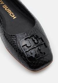 Tory Burch - SQUARE TOE - Baleríny - perfect black - 6