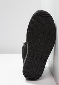 Lowa - KAZAN II GTX MID - Winter boots - schwarz - 4