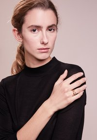 Maria Black - OFFSET - Ring - gold-coloured - 1