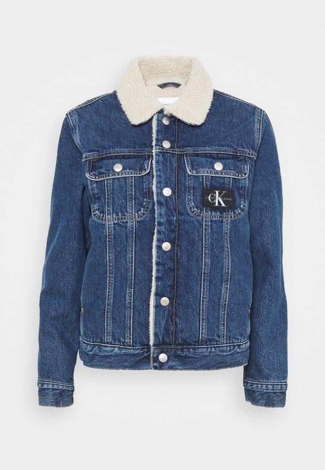 90S JACKET - Denim jacket - mid blue