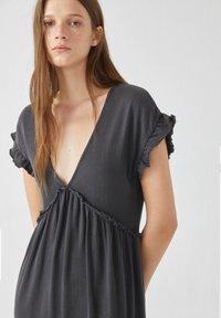 PULL&BEAR - Sukienka letnia - grey - 2