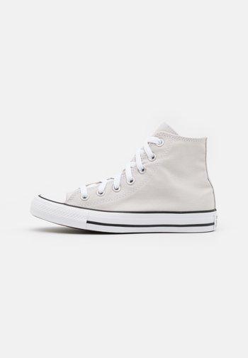 CHUCK TAYLOR ALL STAR COLOR UNISEX - Zapatillas altas - pale putty