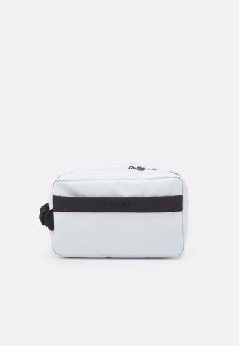 HAKUBA JONA WASHBAG UNISEX - Wash bag - white