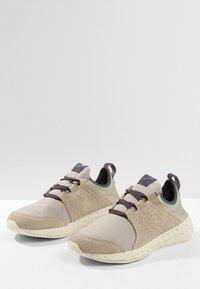 New Balance - FRESH FOAM CRUZ PROTECT - Chaussures de running neutres - aluminium - 2