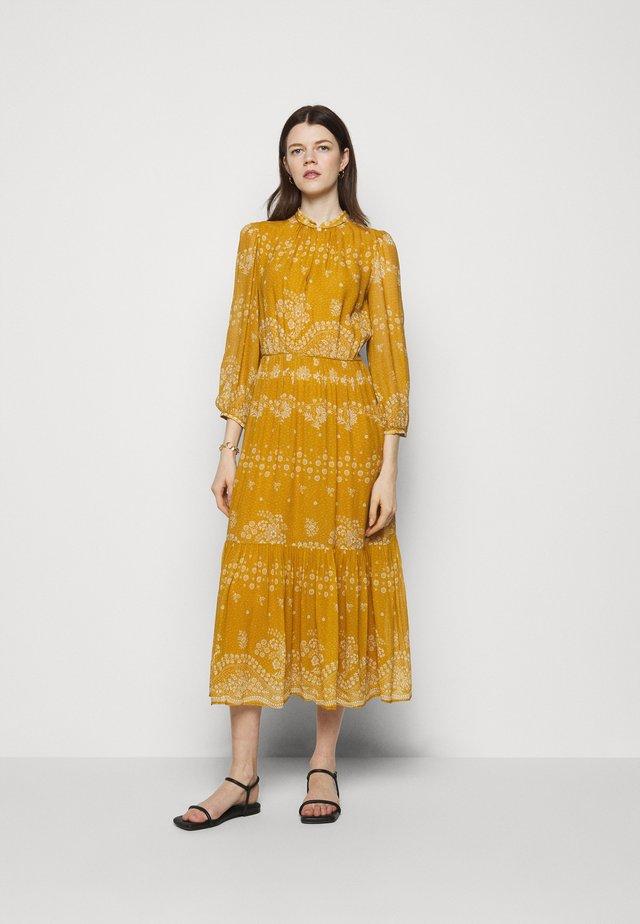 NOISETTE - Długa sukienka - orange
