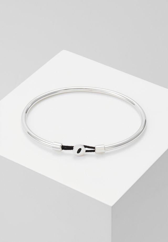 NEXUS CUFF - Pulsera - silver