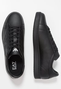 EA7 Emporio Armani - Sneakers basse - triple black - 1