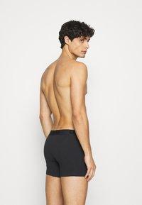 Levi's® - MEN PREMIUM BOXER BRIEF 3PACK - Panties - black/grey combo - 2