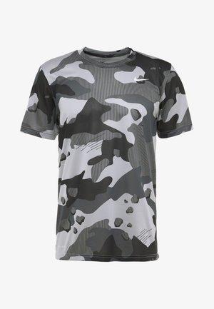 DRY TEE CAMO  - T-shirt med print - light smoke grey