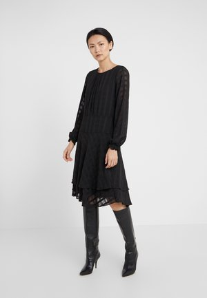 FIT FLARE WITH DOUBLE LAYER SKIRT - Kjole - black