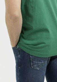 camel active - Basic T-shirt - jungle green - 4