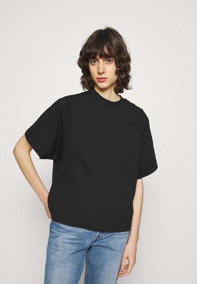 SLFPALM HIGH NECK TEE - Jednoduché triko - black