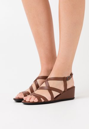 SHAPE - Wedge sandals - cinnamon celeste
