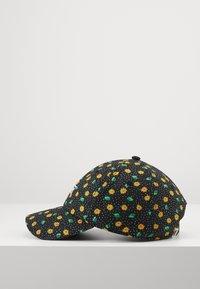 Vans - COURT SIDE PRINTED HAT - Casquette - polka ditsy - 4
