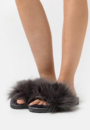 HAIRY POOL - Slippers - steel