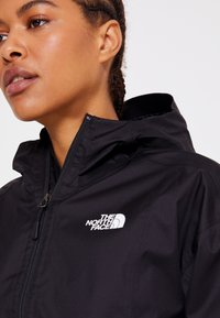 The North Face - CROPPED QUEST JACKET  - Hardshell jacket - black