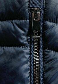 Cecil - Waistcoat - blau - 4