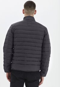 Solid - Light jacket - forged iron - 2