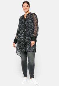 Sheego - Button-down blouse - nicht definiert - 1