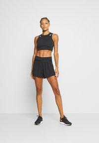Nike Performance - RUN SHORT 2 IN 1 - kurze Sporthose - black - 1