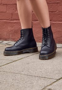 Dr. Martens - 1460 PASCAL BEX - Lace-up ankle boots - black pisa - 5