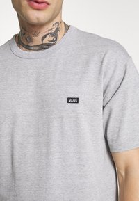 Vans - OFF THE WALL CLASSIC - Basic T-shirt - athletic heather - 5