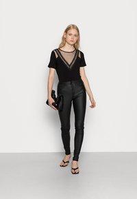 ONLY - ONLROYAL ROCK  - Pantalon classique - black - 1
