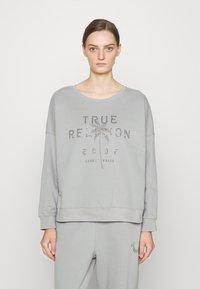 True Religion - BOXY CREW NECK PALM TREE - Mikina - frost - 0