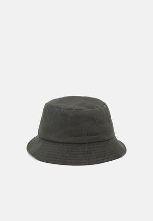 ANTON BUCKET HAT UNISEX - Hat - kambu green