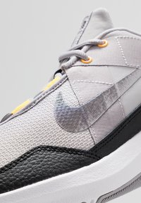 Nike Performance - AIR MAX ALPHA TRAINER 2 - Treningssko - atmosphere grey/metallic dark grey/vast grey/laser orange - 5