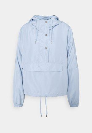 ONLCONNIE POCKET ANORAK - Wiatrówka - cashmere blue