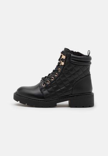MATILA QUILT DETAIL LACE UP - Lace-up ankle boots - black