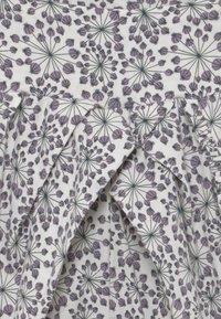 Müsli by GREEN COTTON - JUNCUS  BABY - Kangashousut - white/purple - 3