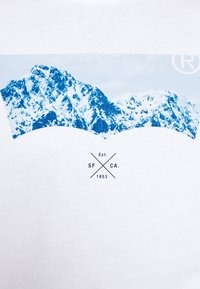 Levi's® - GRAPHIC TEE UNISEX - Maglietta a manica lunga - white - 5